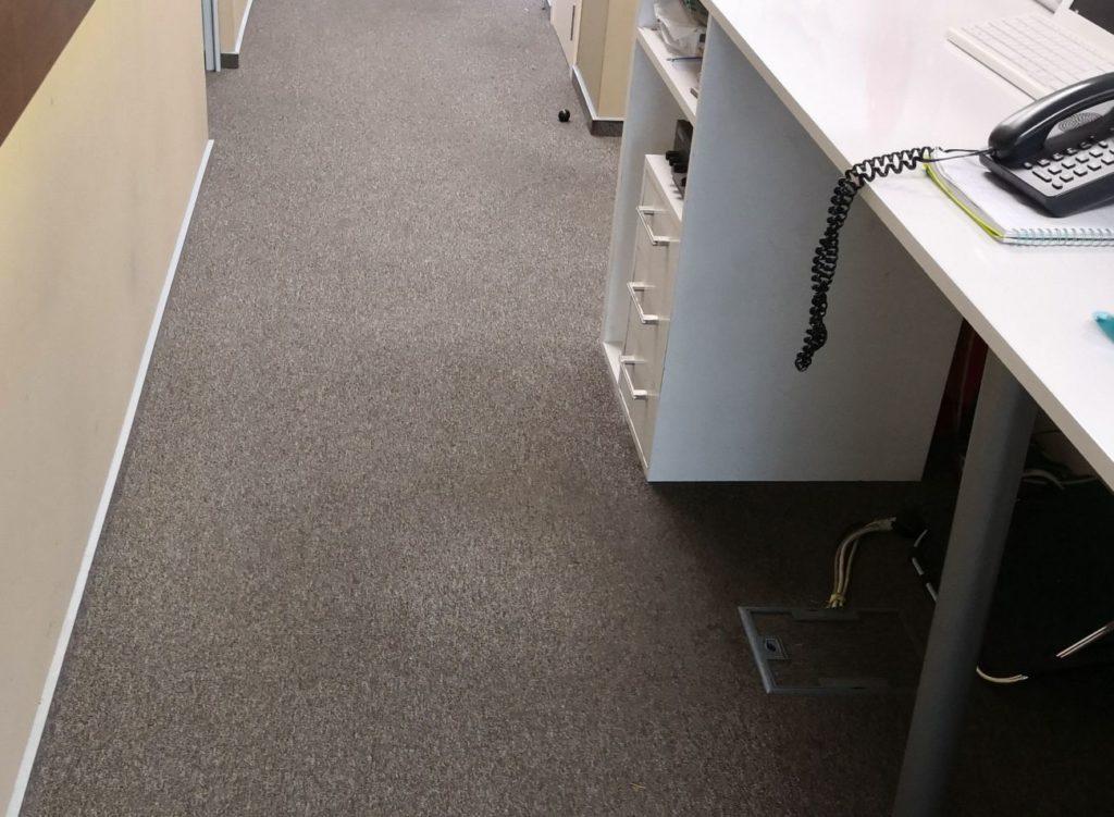 почистване на мокети в офиси