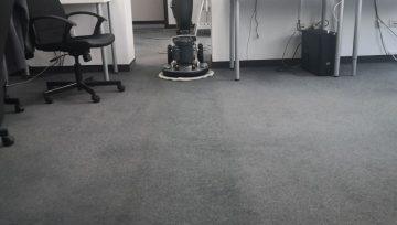 Пране на мокети при почистване на офиси